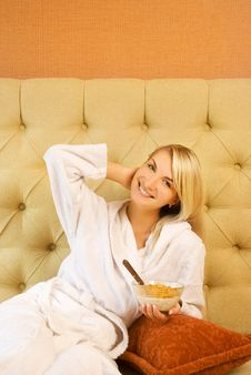 Free Woman Has Breakfast In Bed Royalty Free Stock Image - 5958416