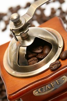 Free Old-fashioned Coffee Grinder Royalty Free Stock Image - 5958786