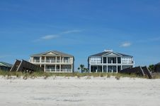 Free Two Beach Houses Royalty Free Stock Photo - 5959475