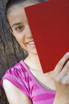 Free Young Woman Reading Outdoor Royalty Free Stock Image - 5961016