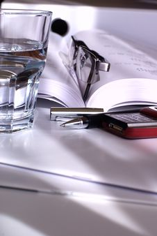 Free Mineral Water In The Office Royalty Free Stock Photos - 5961228