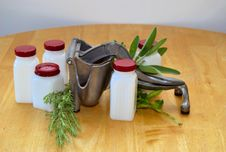 Free Herbs , Juicer And Spice Jars Stock Images - 5962514
