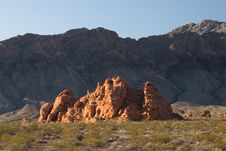 Free Special Red Rock In The Desert Royalty Free Stock Photography - 5965227