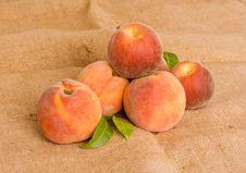 Free Peaches Royalty Free Stock Photo - 5968135