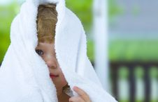 Free Through The Towel Royalty Free Stock Image - 5971376
