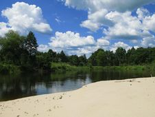 Free The River And The Sky Stock Photography - 5971732
