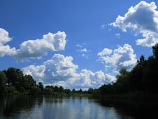 Free The River And The Sky Royalty Free Stock Photo - 5972355