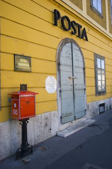 Free Budapest - Post Office Royalty Free Stock Image - 5972886