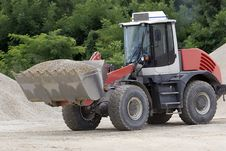 Free Bulldozer At Work Royalty Free Stock Images - 5973409