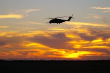 Free Sunset Landing CH-53E Sea Dargon Stock Photo - 5973510