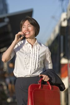 Free Woman Talking On A Cell Phone - Vertictal Royalty Free Stock Photos - 5975528
