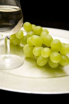 White Wine And Grapes On A Tray Stock Photos
