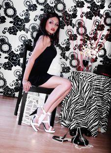 Free Beautiful Fashion Woman Royalty Free Stock Images - 5976239