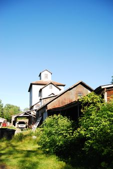 Free Odd Barn Royalty Free Stock Images - 5977079