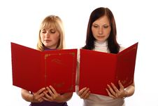 Free Two Girls Read Royalty Free Stock Photography - 5979217