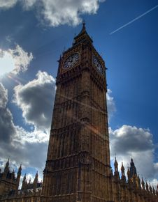 Free Big Ben Against The Sky Royalty Free Stock Photography - 5983417