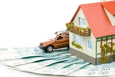 Free Miniature House And Money. Royalty Free Stock Photography - 5984007