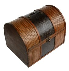 Free Wooden Chest Royalty Free Stock Photography - 5985557