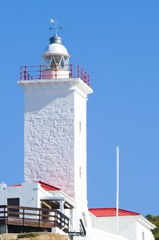 Free Newly Renovated Lighthouse Royalty Free Stock Photos - 5985658