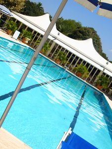 Free Pool In A Hotel Stock Image - 5987141