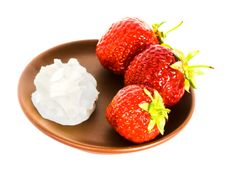 Free Strawberry On Plate Stock Photography - 5987552