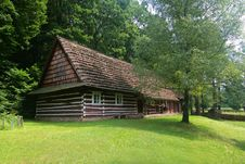 Free Cottage In The Forest Royalty Free Stock Images - 5988399