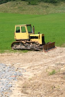 Free Yellow Bulldozer Royalty Free Stock Image - 5988956