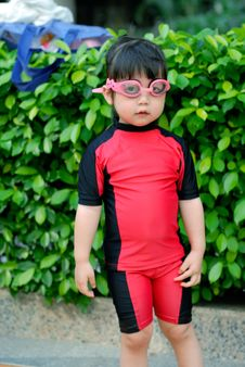 Free The Child Swimming Stock Images - 5990014