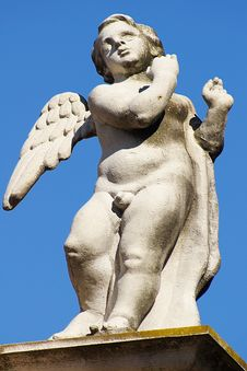 Free Sculpture Of A Dancing Angel Royalty Free Stock Image - 5991546