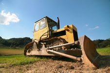 Free Yellow Bulldozer Royalty Free Stock Image - 5992086