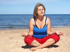Free Yoga On The Beach Royalty Free Stock Photo - 5994205
