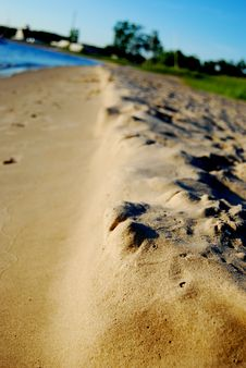 Free The Shore Line Royalty Free Stock Photography - 5994717