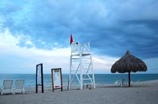 Free Life Guard Tower Royalty Free Stock Photography - 5995017