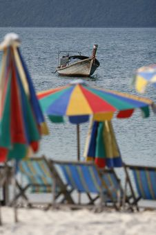 Free Umbrellas And Boat Stock Image - 5998041