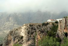 Free Building On A Rock With Panorama View In Guadalest Royalty Free Stock Image - 5998126