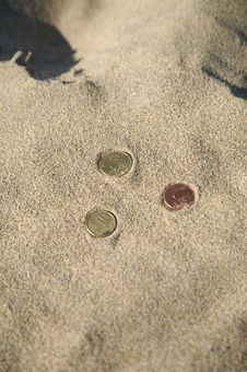 Free Three Coins At The Beach Royalty Free Stock Image - 5999046