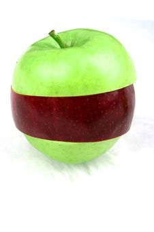 Free Green Crossbred Apple Royalty Free Stock Photo - 69315