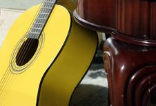 Free Guitar Royalty Free Stock Photography - 600387