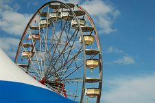 Free Ferris Wheel With Tent And Sky Stock Photography - 600612