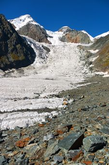 Free Beautiful Mountains. Royalty Free Stock Photos - 604118
