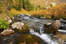 Free River In The Mountais. Royalty Free Stock Photos - 604168