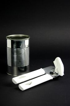 Free Tin Can And Opener Royalty Free Stock Images - 604479