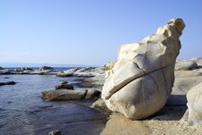 Free Unusual Rock On The Shore Royalty Free Stock Photo - 6000725