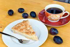 Free Slice Of Apple Cake With Coffee Royalty Free Stock Photography - 6005637