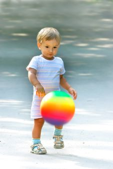 Free Boy With Colorful Ball Royalty Free Stock Photos - 6008648