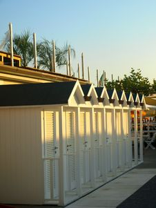 Free Beach Huts Royalty Free Stock Photos - 6010408