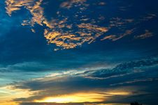 Free Dramatic Sunset Royalty Free Stock Image - 6011606