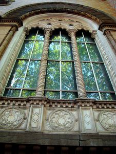Free Ornate Window. Royalty Free Stock Photo - 6011725