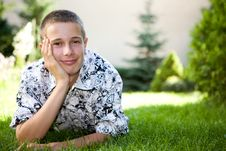 Free Relaxing Teenager Stock Image - 6014181