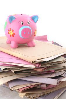 Free Folders With Piggybank Royalty Free Stock Photo - 6014445